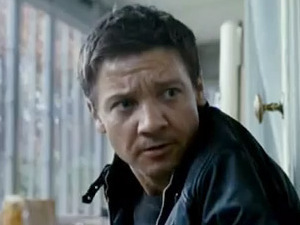 movies_bourne_legacy_trailer_still.jpg